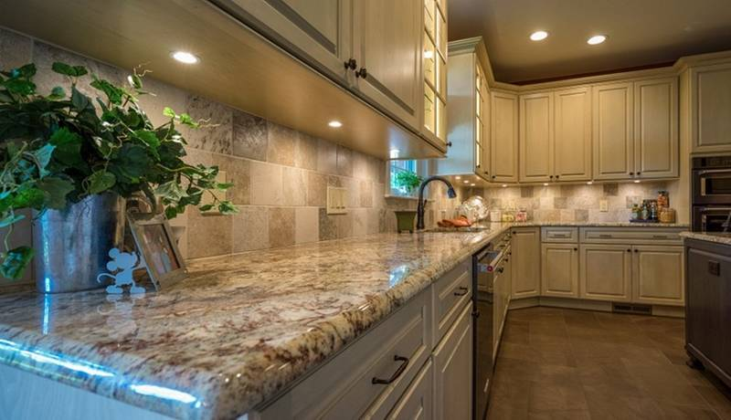 Custom Kitchen Cabinets with Granite