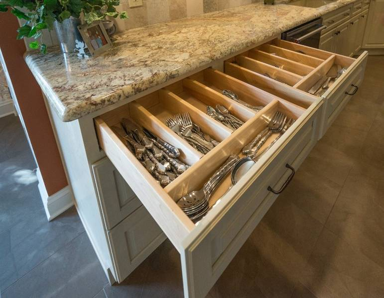 Self Closing Custom Drawers and Granite Tops