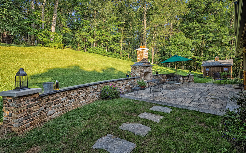 Log Home Patio Wall and Walkway Pavers